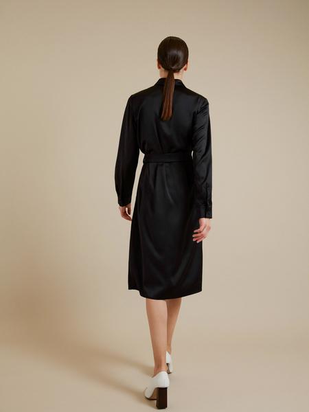 Атласное платье-миди с поясом - фото 5