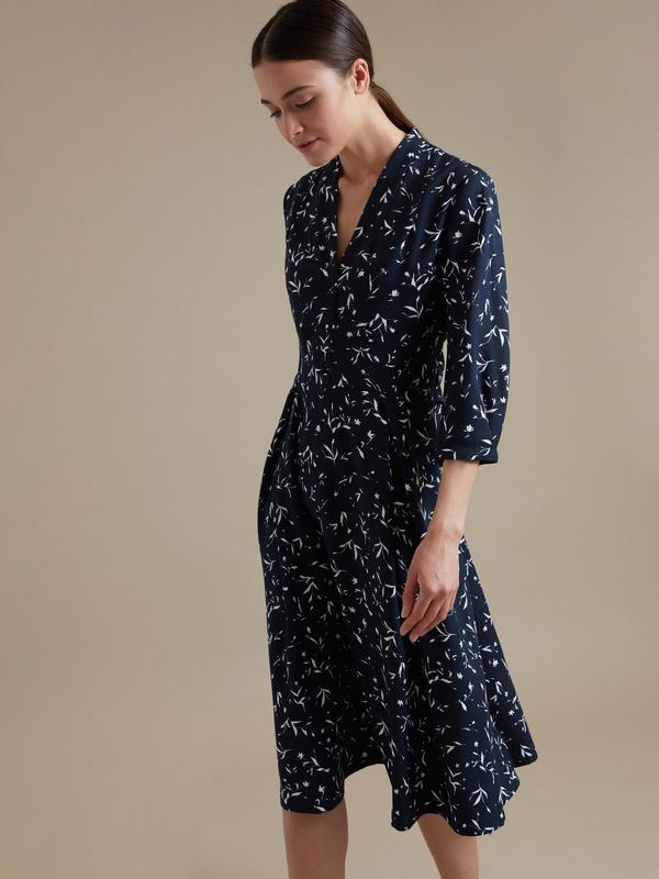 Платье-миди с цветочным принтом - фото 1