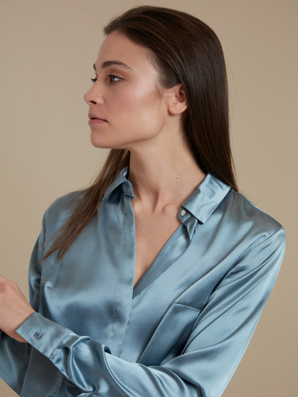 Атласная блузка оверсайз - фото 2