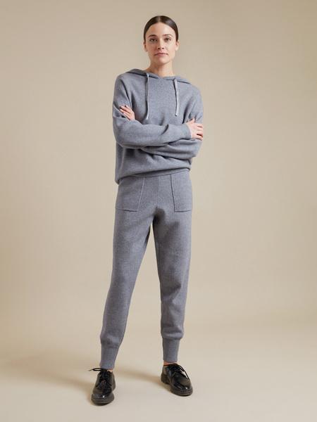 Трикотажные брюки с накладными карманами