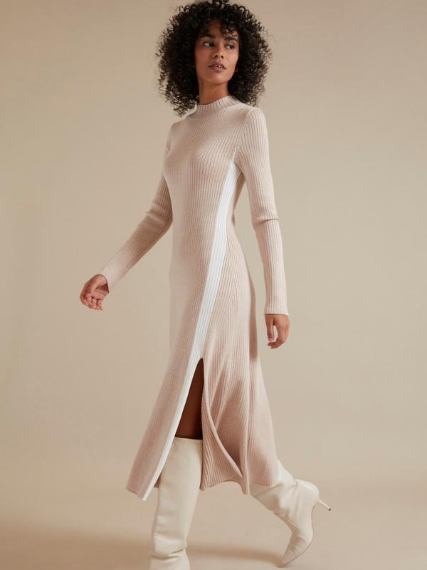 Трикотажное платье-миди в рубчик