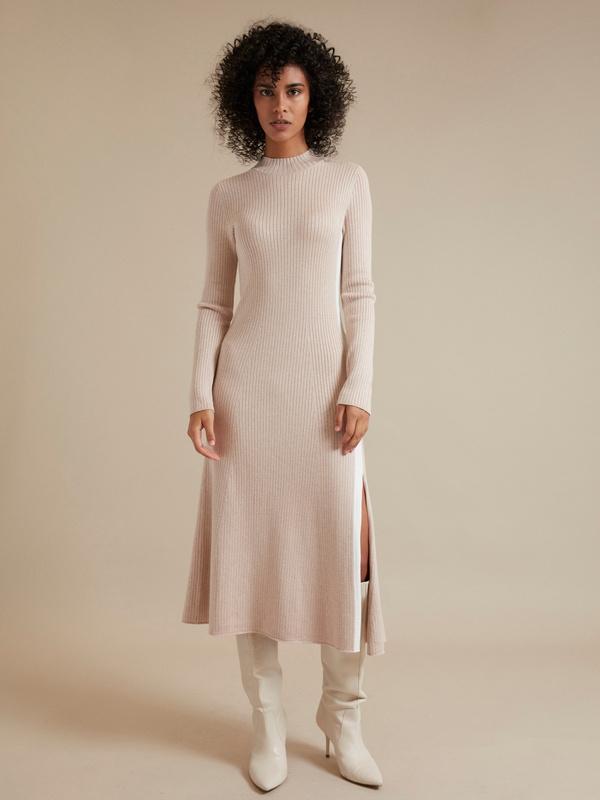 Трикотажное платье-миди в рубчик - фото 4