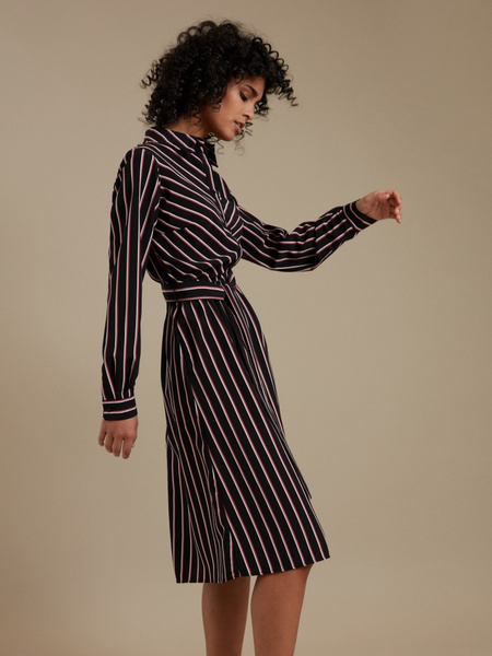 Платье-рубашка с карманами - фото 2