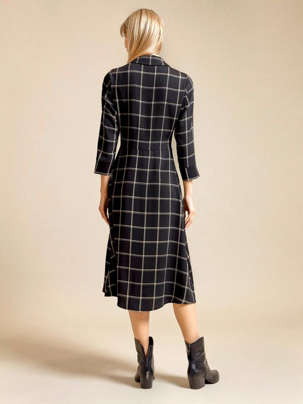 Приталенное платье-рубашка - фото 5