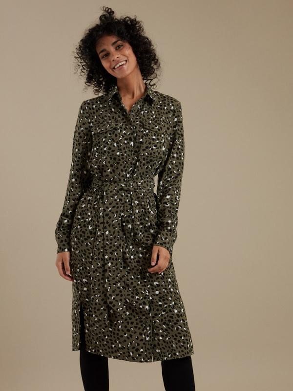 Платье-рубашка с анималистичным принтом - фото 1