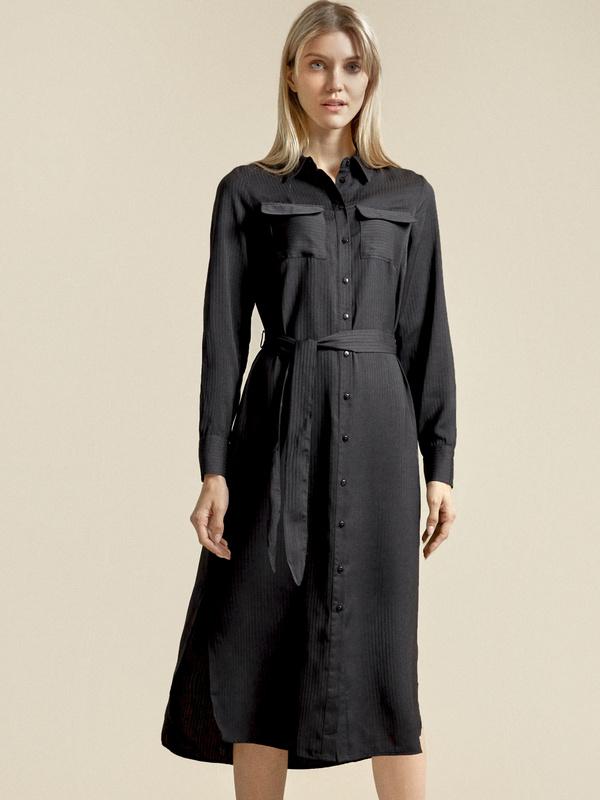 Атласное платье-рубашка с поясом - фото 1