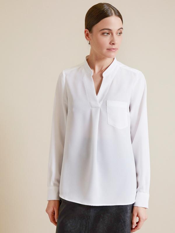 Блузка с V-образным вырезом - фото 1