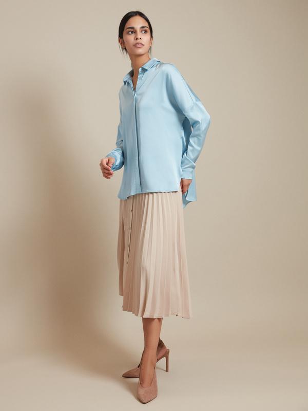 Атласная блузка с асимметричным низом - фото 5
