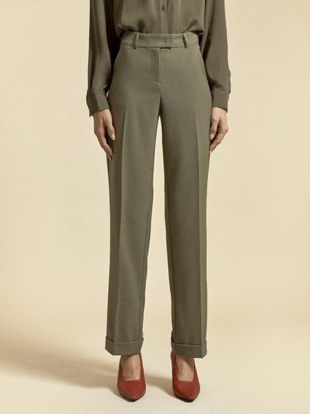 Прямые брюки с подворотами - фото 2