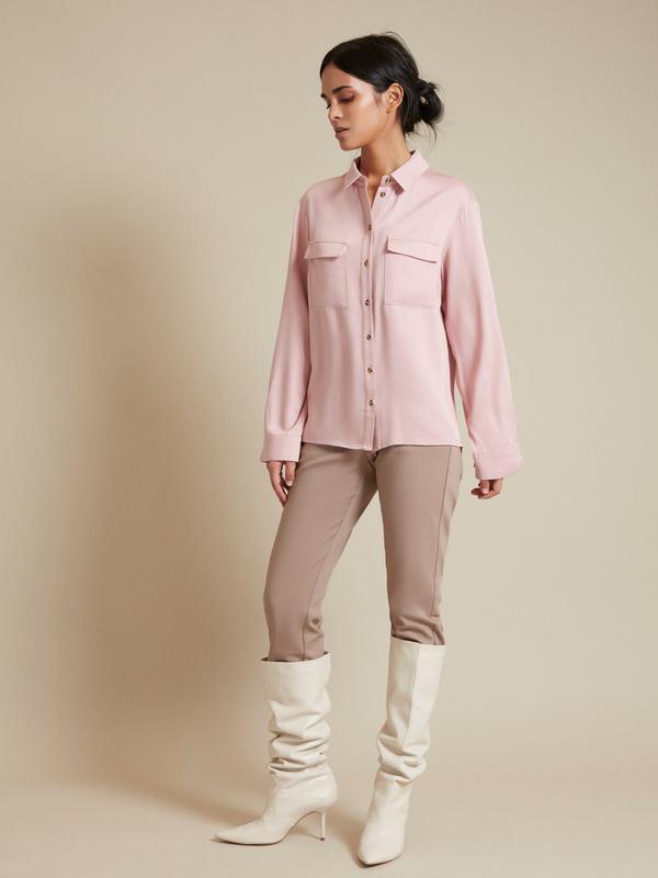 Прямые брюки с врезными карманами - фото 4