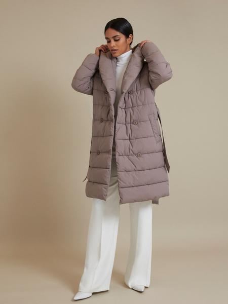 Стеганое пальто с поясом - фото 5