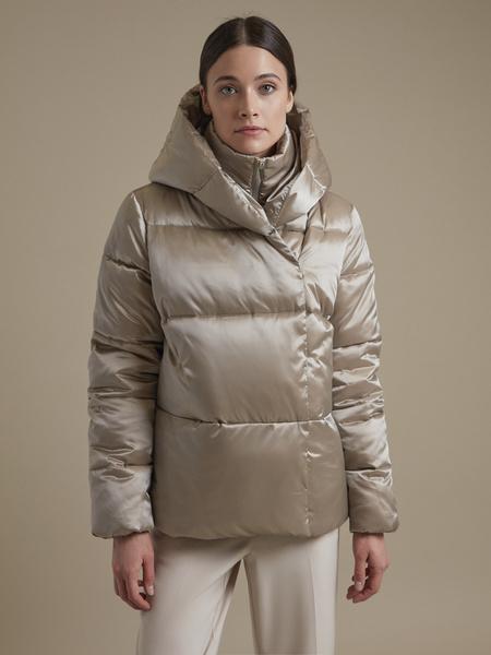 Атласная куртка с капюшоном - фото 1