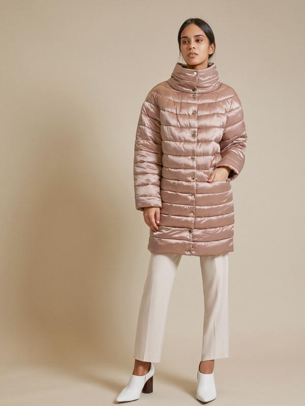 Стеганое пальто с воротником стойка