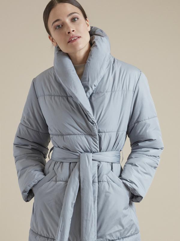Стеганое пальто с поясом - фото 1