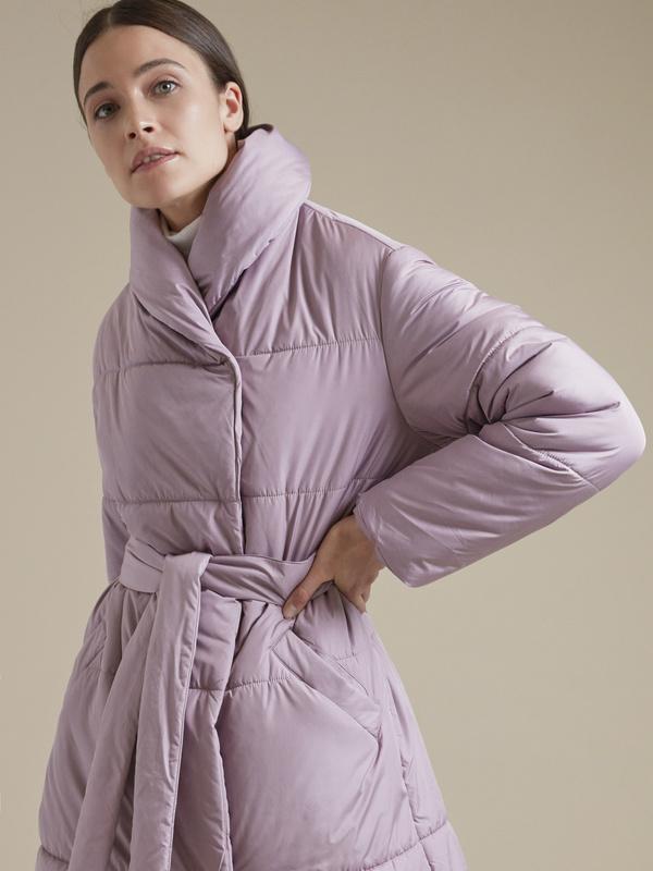 Стеганое пальто с поясом - фото 2