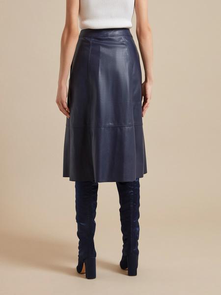 Расклешенная юбка-миди из экокожи - фото 5