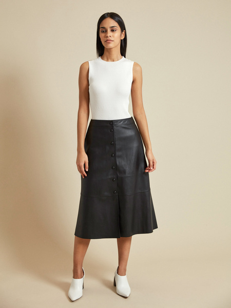 Расклешенная юбка-миди из экокожи - фото 6