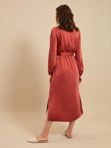 Платье-миди на запах с поясом - фото 5