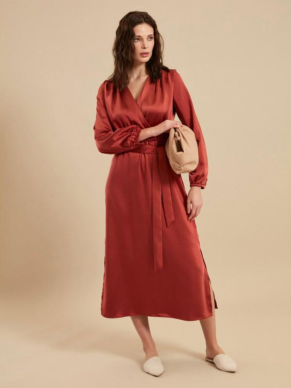 Платье-миди на запах с поясом