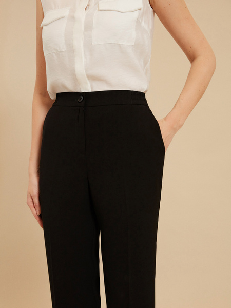Зауженные брюки с эластичным ремнем - фото 3