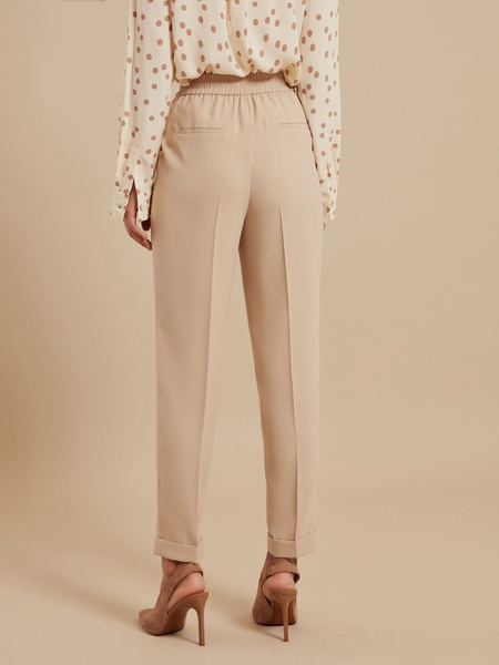 Зауженные брюки с эластичным ремнем - фото 4