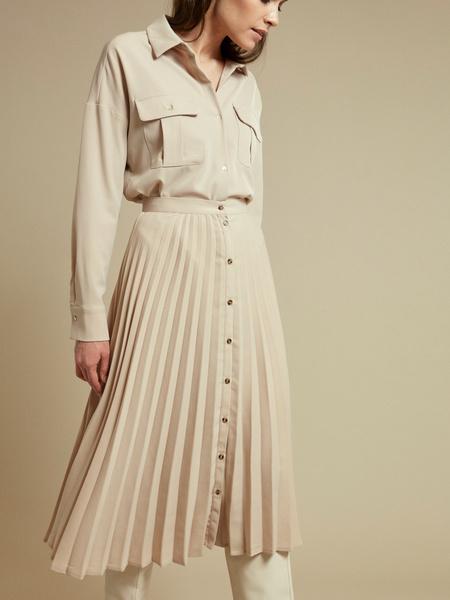 Плиссированная юбка-миди на пуговицах - фото 4