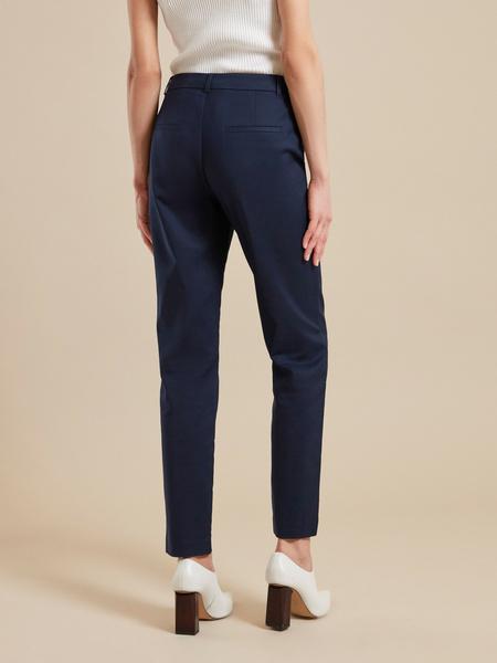 Зауженные брюки с карманами - фото 5