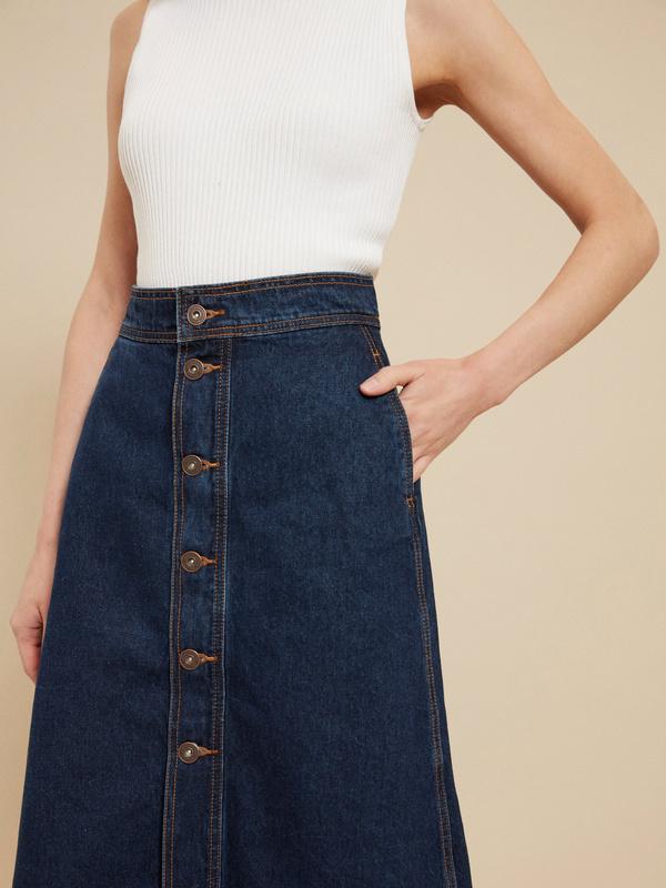 Джинсовая юбка-миди на пуговицах - фото 3