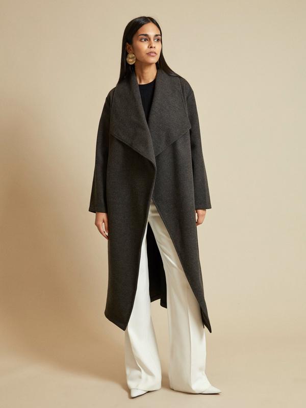 Пальто на запах с поясом - фото 6