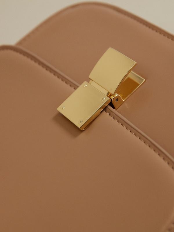 Мини-сумка на длинном ремешке - фото 3