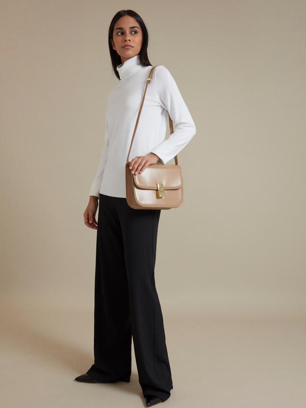 Мини-сумка на длинном ремешке - фото 5