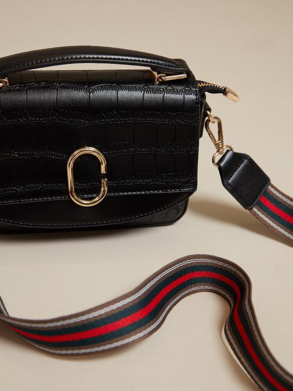 Мини-сумка с текстильным ремнем - фото 5
