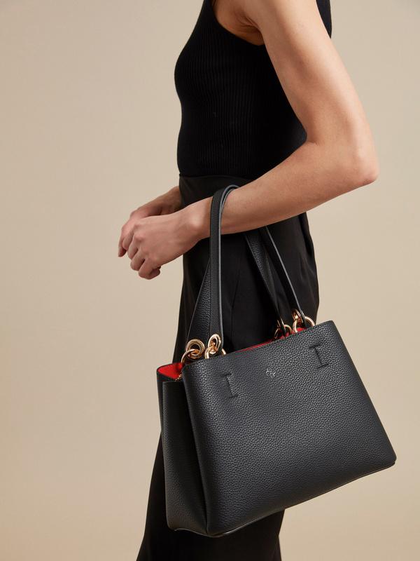 Фактурная сумка с ручками и ремнем