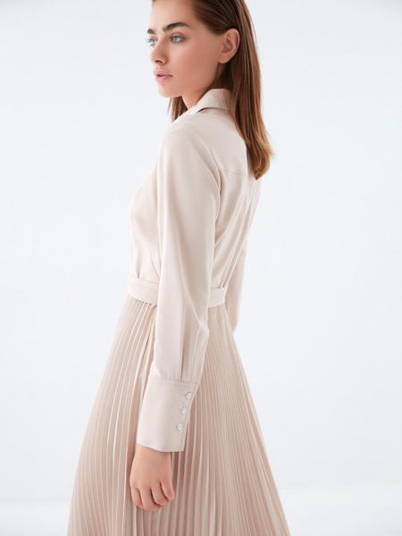 Платье с плиссированной юбкой - фото 8