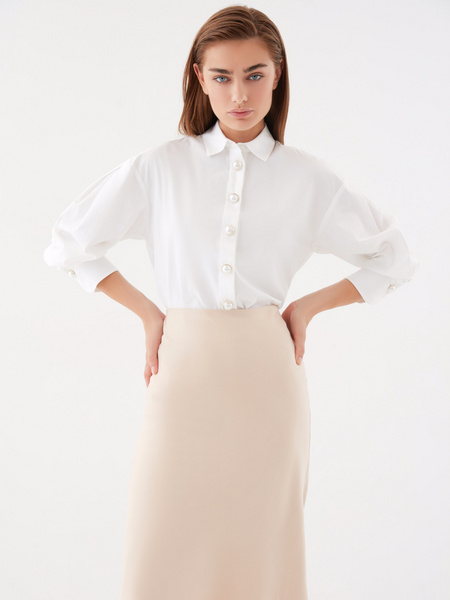 Блузка с широкими рукавами