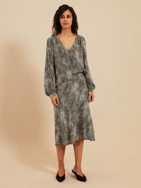 Струящаяся юбка-миди - фото 5