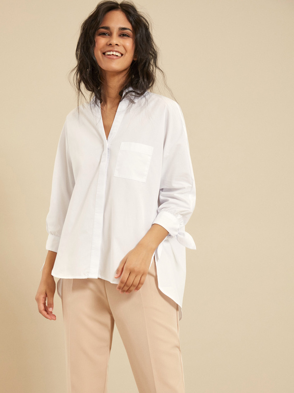 Блузка с рукавами на завязках