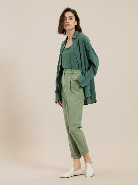Зауженные брюки с подворотами - фото 1