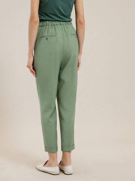 Зауженные брюки с подворотами - фото 4
