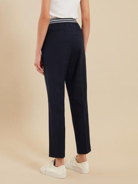 Зауженные брюки с эластичным поясом - фото 4