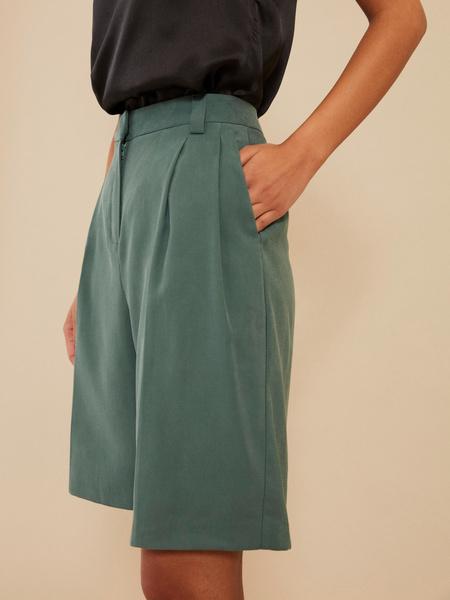 Широкие шорты с карманами - фото 3