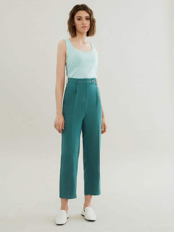 Прямые брюки с карманами