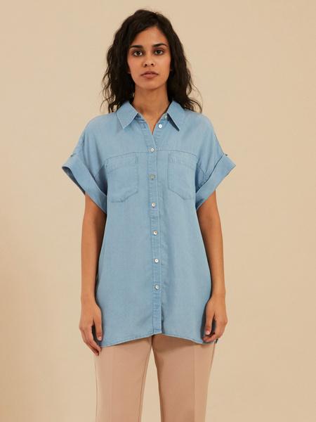 Джинсовая блузка с коротким рукавом
