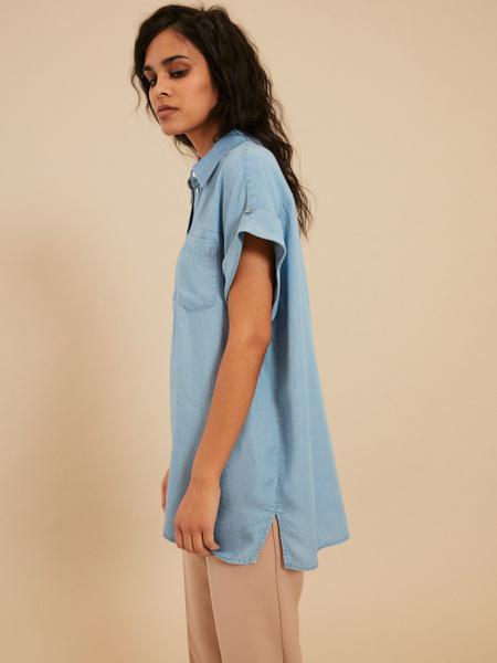 Джинсовая блузка с коротким рукавом - фото 3
