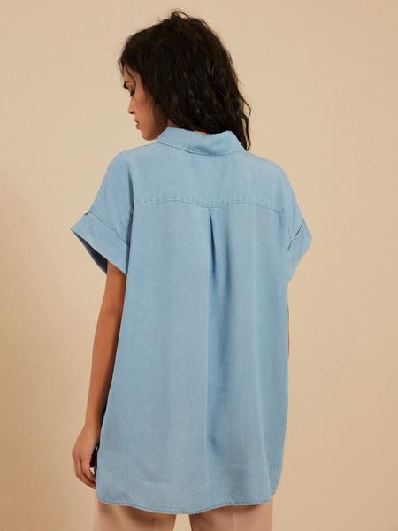 Джинсовая блузка с коротким рукавом - фото 4