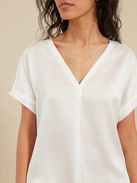 Блузка с треугольным вырезом - фото 2