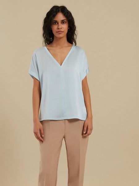 Блузка с треугольным вырезом - фото 4