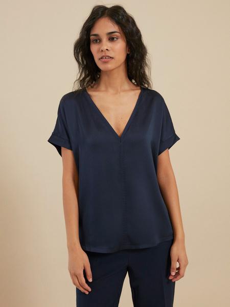 Блузка с треугольным вырезом - фото 1