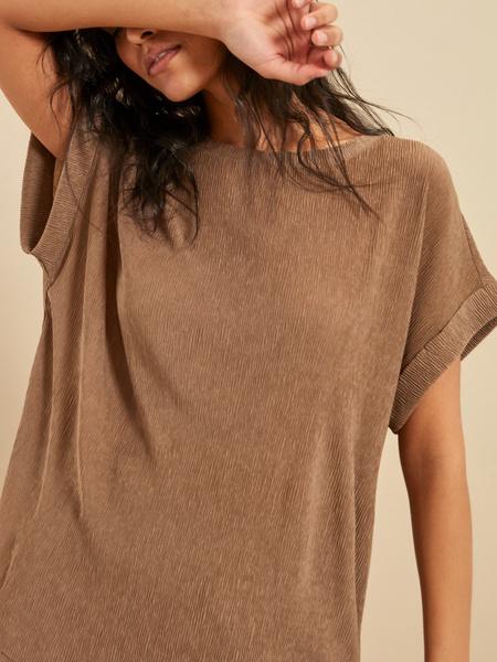 Блузка с подвернутыми рукавами - фото 2