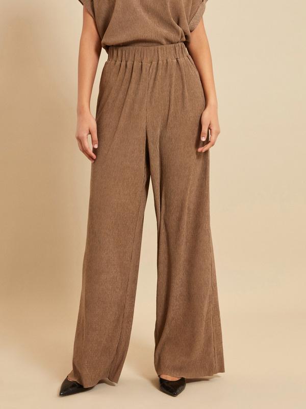 Широкие брюки с эластичным поясом